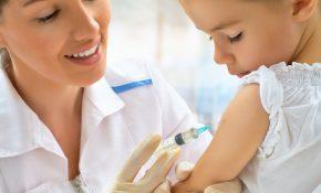 professionnel-sante-medecin-enfant-vaccination