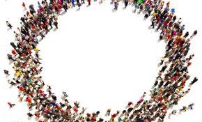 illustration-foule-personnes-solidarite-ensembre