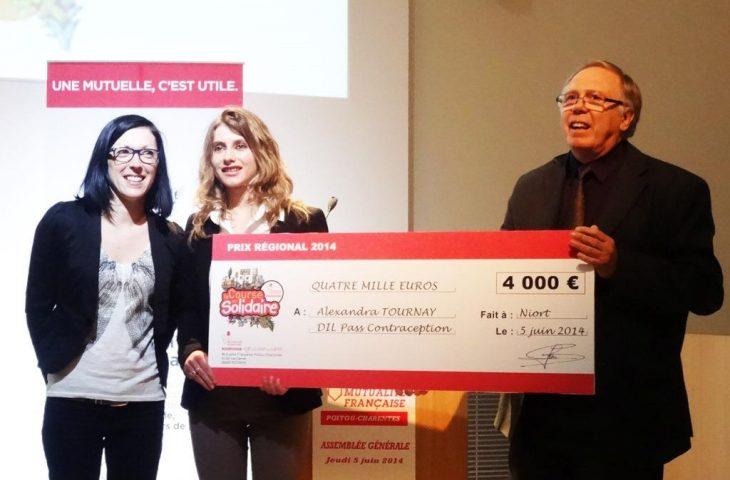 Remise-cheque-laureat-2014-course-en-solidaire-concours