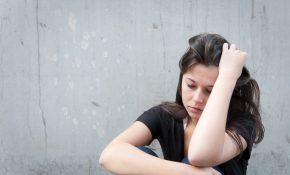 Jeune triste et déprimé